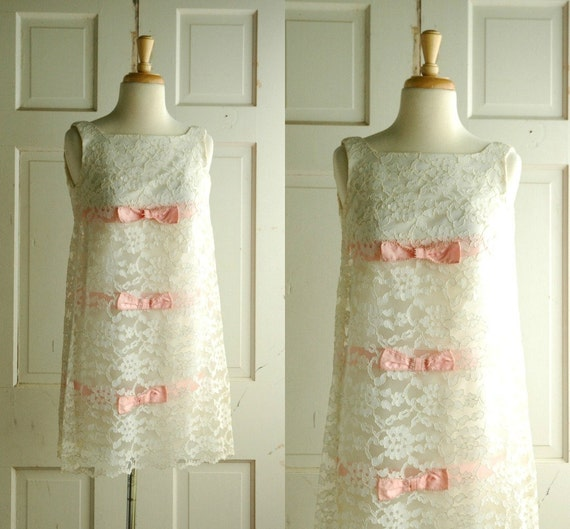 Reserved for iheartribbon6 / Vintage Wedding Dress / 1960s Lace Mini Dress