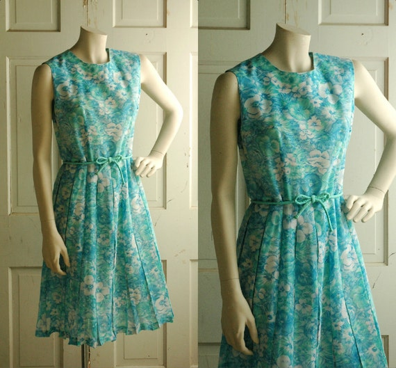 SALE Floral Dress / Vintage 1960s Blue Spring Day Dress