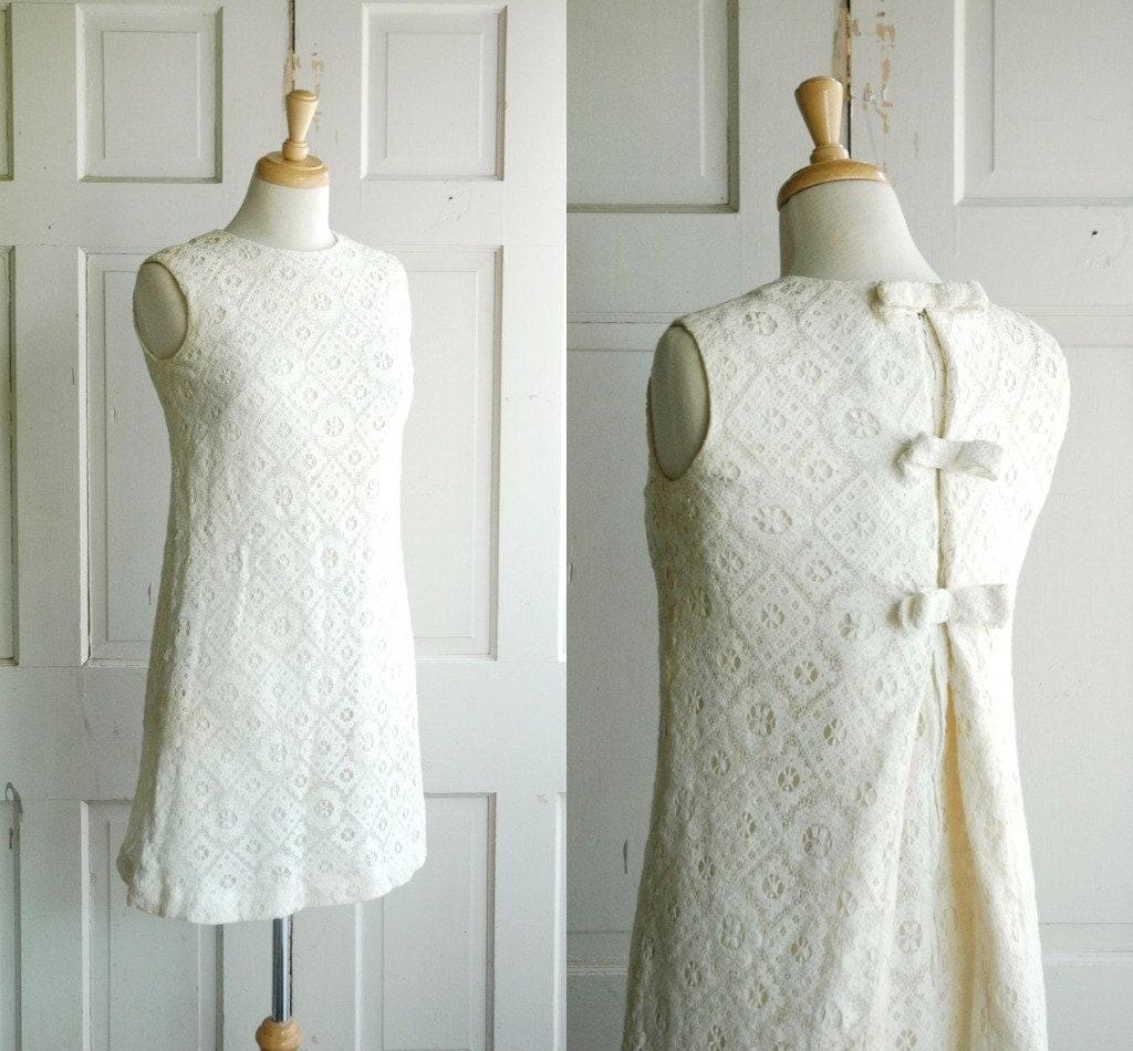 Vintage 1960s Wedding Dresses: 1960s Mod Wedding Dress / Vintage Mini Dress / Cream Lace