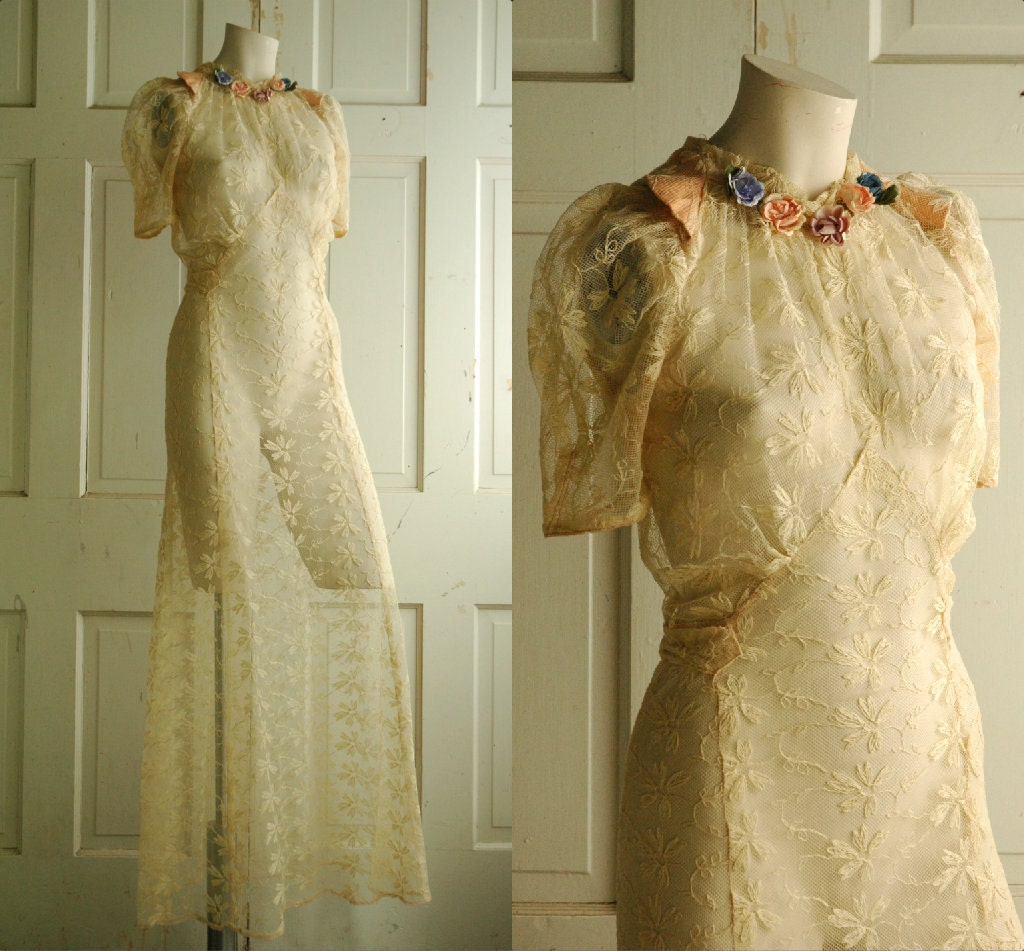 1930s Wedding Dress / Vintage Cream Lace Dress