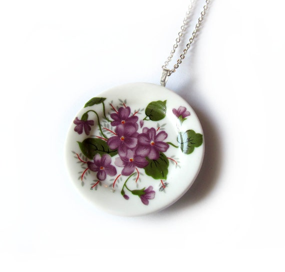 That Vintage - Tea Party Grande Plate Pendant - Lady Violet