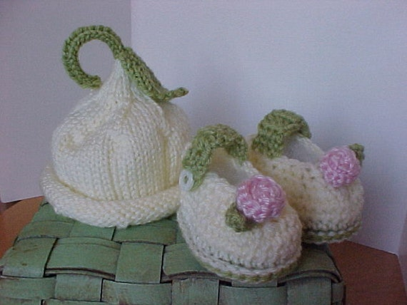 Hat and Bootie Set Knitted Ivory Pixie Hat with Pink Rosette Booties NB to 12 mo sizes Adorable photography prop by cmu55