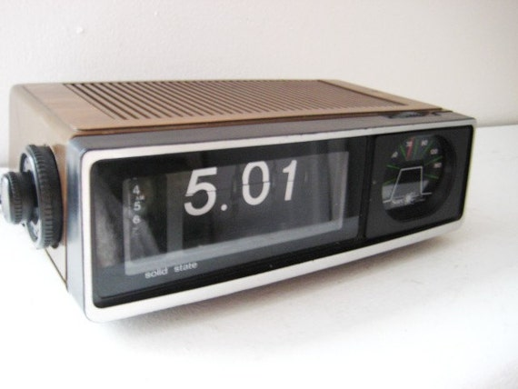 classic retro flip alarm clock radio. Black Bedroom Furniture Sets. Home Design Ideas