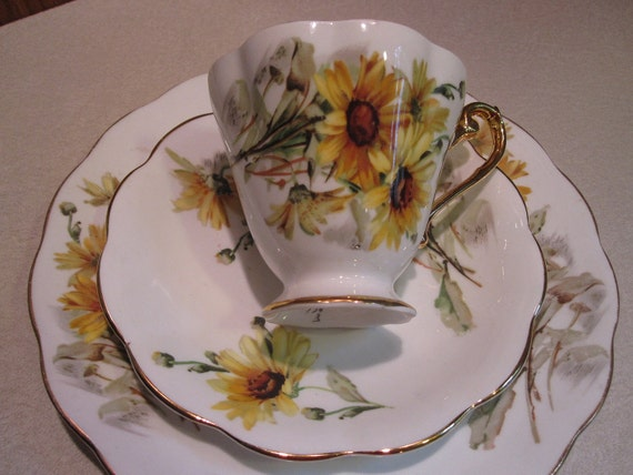 Royal Standard Luncheon Set-Scalloped Cup Brown Eyed Susans