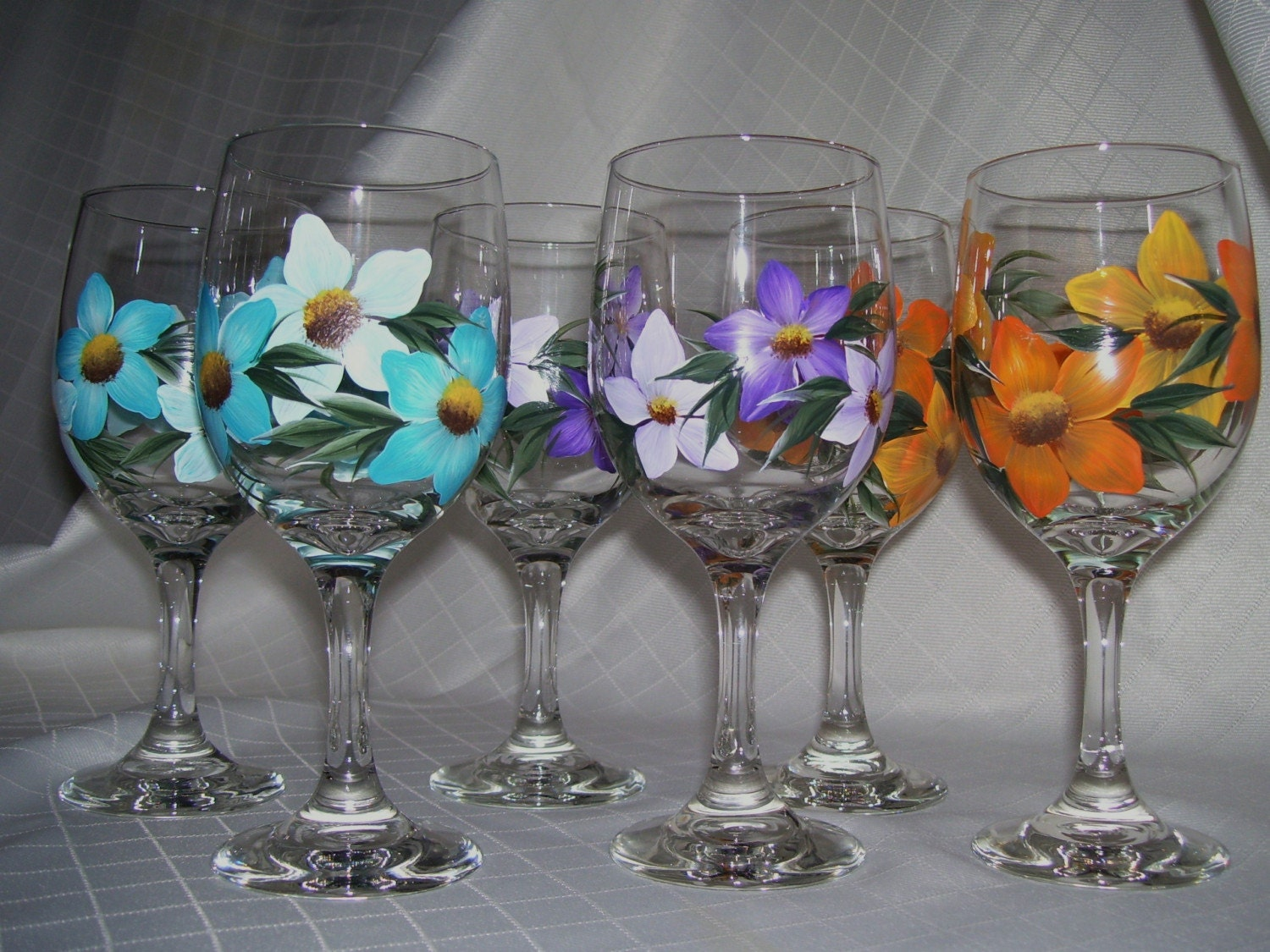 tropical flowers wine glasses
