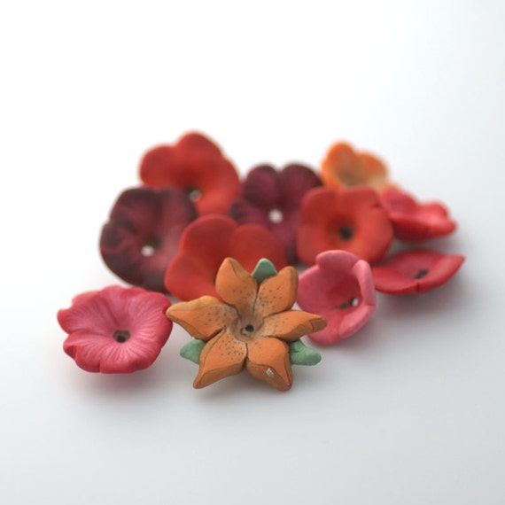 Summer Flower Mix, Polymer Clay Beads, Red and Orange Beads, 10 Pieces