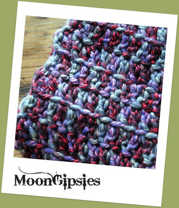 Wonderland - Handmade crocheted scarf