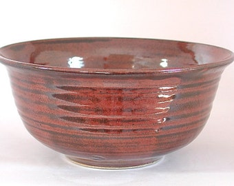 Stoneware bowl, iron red glaze Tem4