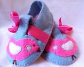 PBK Penelope bird pink blue felt baby booties