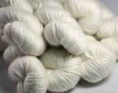 Superwash merino/silk DK knitting yarn in natural cream - UK Seller