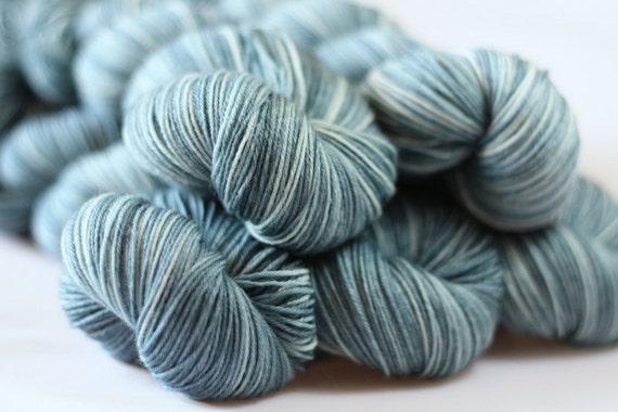Tempo 4ply in Pennine Mist (lot 280512) - hand dyed 4ply superwash wool/nylon 4ply sock yarn - UK Seller