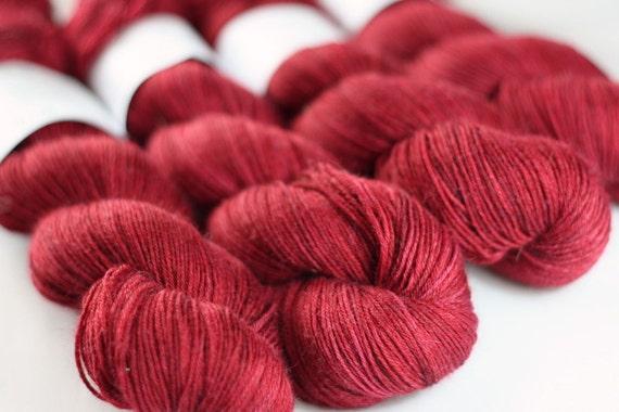 Tempo 4ply in Carnelian - hand dyed 4ply superwash wool/nylon 4ply sock yarn - UK Seller