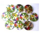 10 Shell buttons, flowers ornament in red, purple, orange, printed, for sewing, button jewelry, crafts 11.5mm