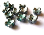 20 Flowers beads,silve color, lucite, vintage, 9mm, 6mm height