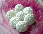 6 Vintage flowers buttons white plastic 15mm shank buttons