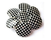 6 Vintage plastic buttons, black and white 23mm