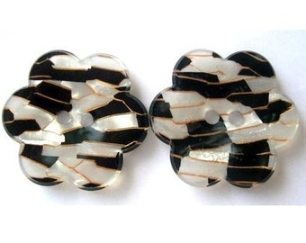 6 Flower shape buttons, plastic, 26mm, black, white with shell pieces great for button jewelry