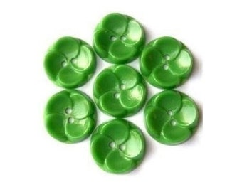 10 Vintage buttons plastic  flowers green, 15mm, can be use for button jewelry