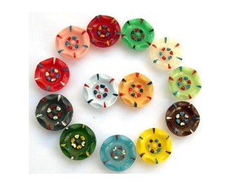 Antique buttons, set of 13 plastic buttons flower shape  with ornament, 17mm