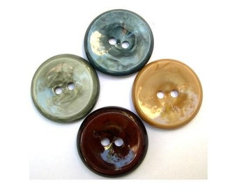 4 Buttons, vintage, plastic, 4 assorted colors, beautiful buttons, 33mm