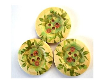 6 Wood buttons, 30mm, flowers in red and green om natural wood