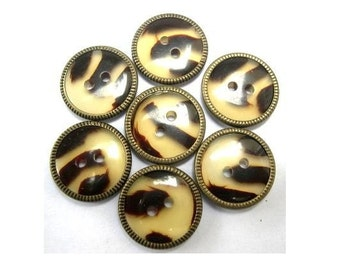 7 Vintage plastic buttons with metal circle 16mm
