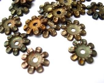 25 flower beads, metal, vintage, 10mm