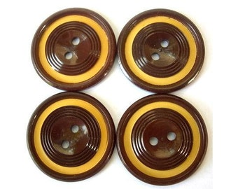 Vintage buttons, 6 plastic buttons, brown with circles pattern, 27mm