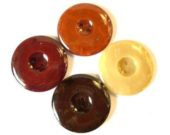 20 Buttons, vintage, plastic, 4 earth colors, beautiful buttons, 28mm