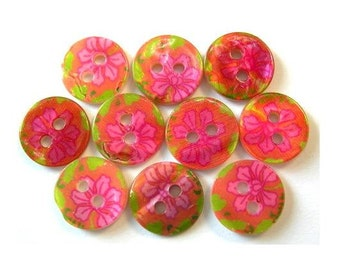 10 Shell buttons pink and green floral ornament 11.5mm