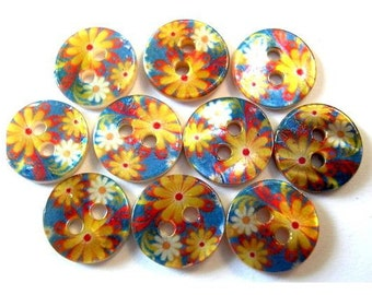 10 Shell buttons yellow flowers on blue 11.5mm
