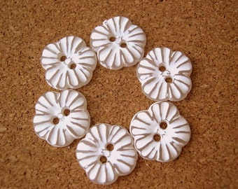 6 buttons, flowers, white, button jewelry, vintage, 15mm, for button jewelry