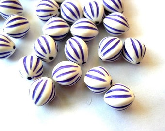 10 VINTAGE beads, lucite white oval with purple stripes 12mmx10mm