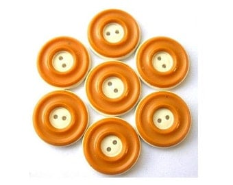 6 Vintage buttons, plastic, sinapis color with cream circle design 18mm
