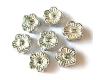 20 Vintage glass flowers beads Czech silver color 10mm