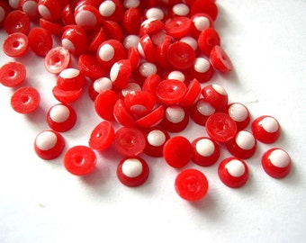 30 Vintage red and white cabochon 5mm