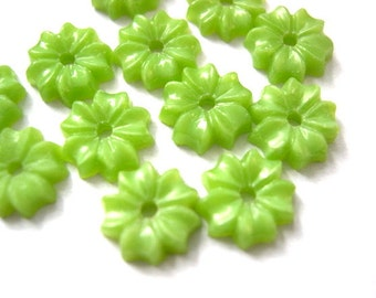 15 beads, glass, flowers, vintage, green grass color, 9mm, RARE
