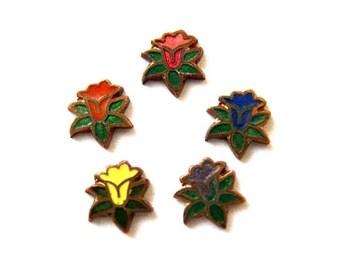 40 Vintage flowers cabochon, 4 colors, enamel metal  on copper base 7mm, assorted colors
