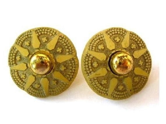 Antique 2  buttons flowers shape, can be use as a beads, olive green,22mm