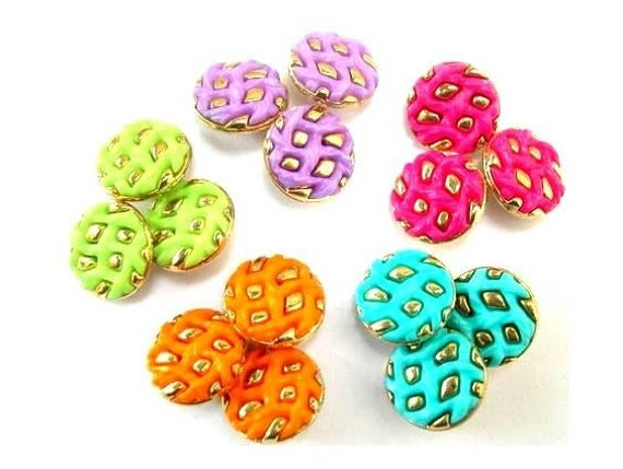 25 Vintage buttons, 5 colors, can be use as beads for button jewelry, gold color ornament, 15mm