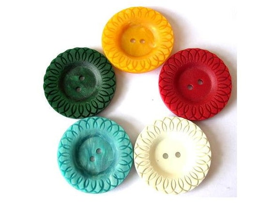 5 Vintage button, plastic, flower shape, 5 colors, 39mm, proper for button jewelry