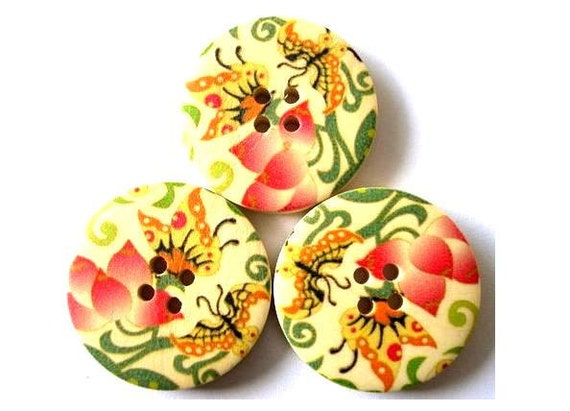 6 Wood buttons butterflies and flowers picture 30mm