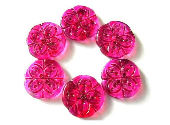 6 Vintage buttons flower shape hand painted in fuschia pink czech 18mm, for button jewelry
