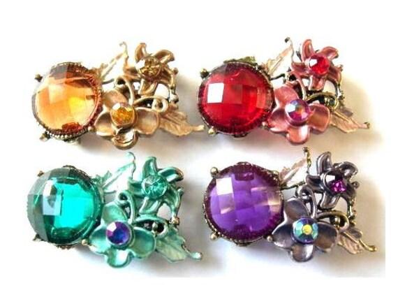 4 Beads, rhinestone, metal base, heart, flowers, vintage style