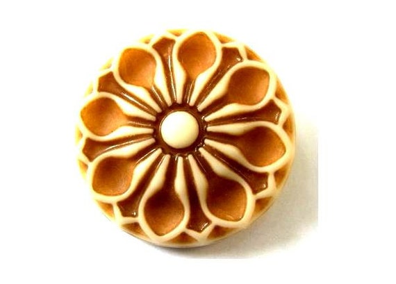 3 Flowers buttons light brown on cream new buttons 35mm