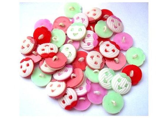 40 Vintage buttons smiling pumpkin 4 colors 17mm