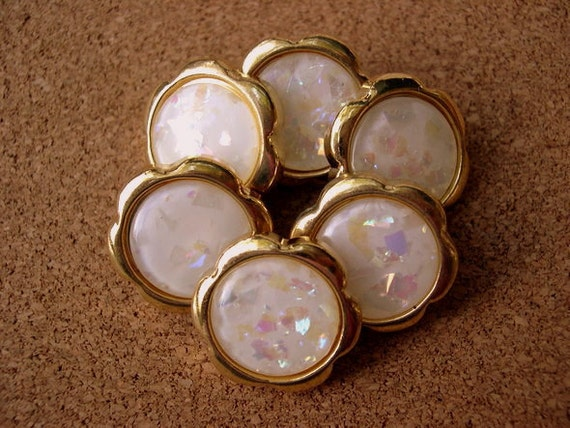 6 Vintage buttons gold color plastic flowers white center with glitters 26mm