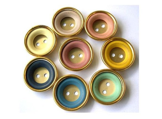 8 Vintage buttons gold color metal with 8 colors plastic circles, 24mm