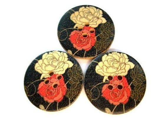 6 Wood buttons 30mm, printed red and natural rose flowers on black