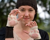 Kitty Cat Paw Mitts and Hat Knitting Pattern